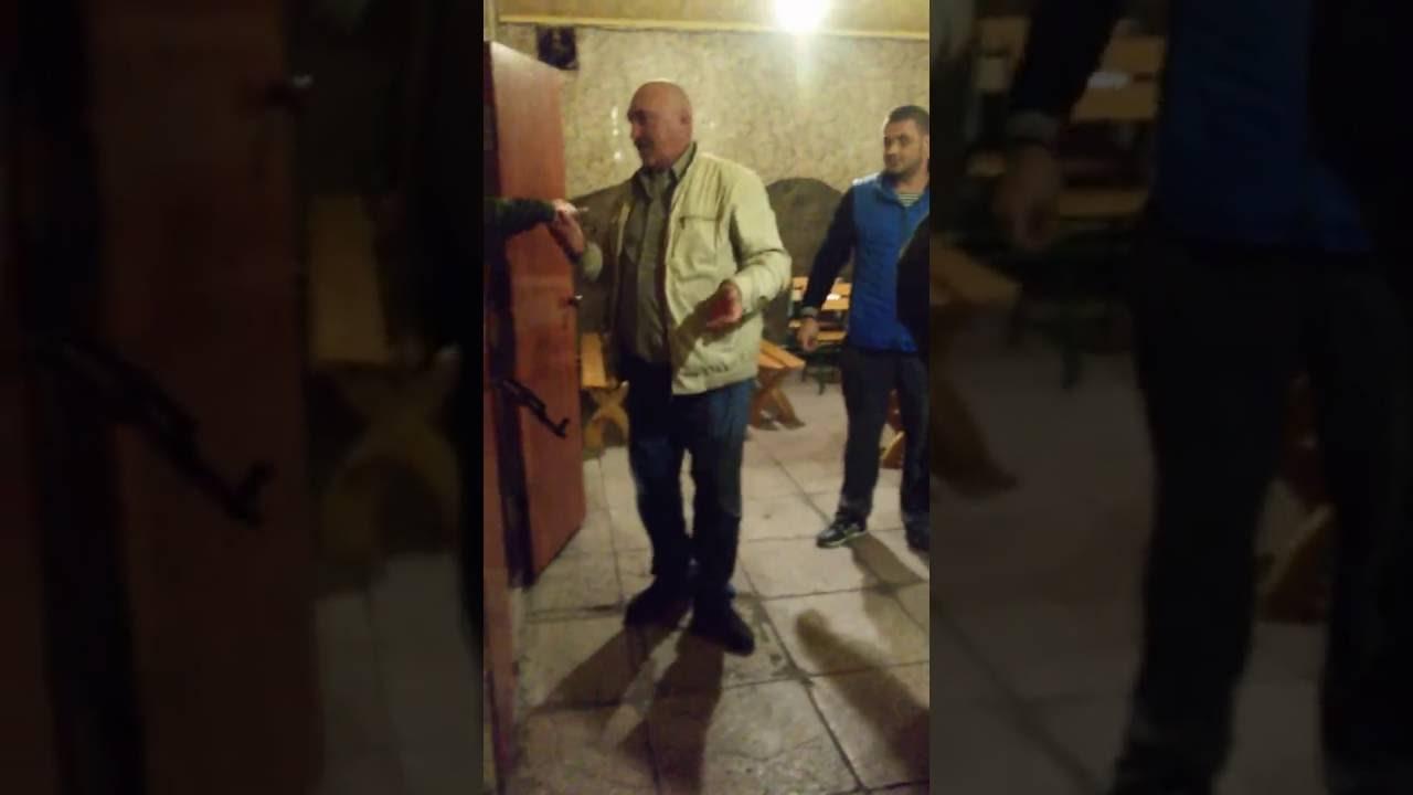 Немножка органов правопорядка ЛНР на отдыхе в ресторане