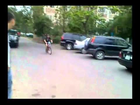 Смешные падения с велосипеда