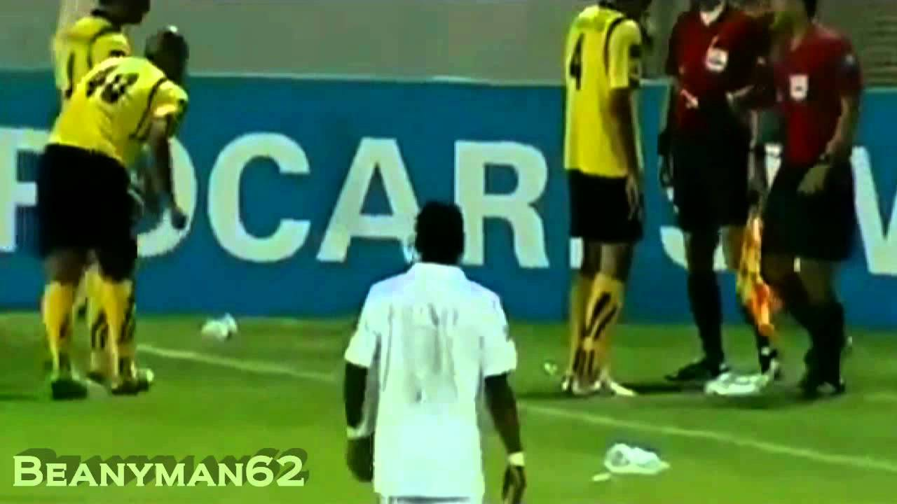 Футболист герой