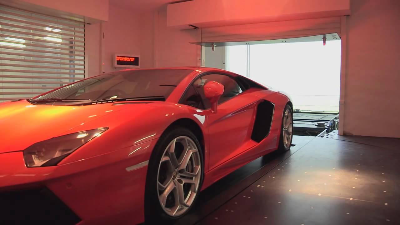 Где миллионеру припарковать свою Lamborghini в Сингапуре