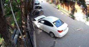 Припаркуешь так свою ласточку…