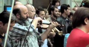 Уличный флэш моб классической музыки