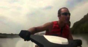 Не умеешь гонять на водном мотоцикле не берись