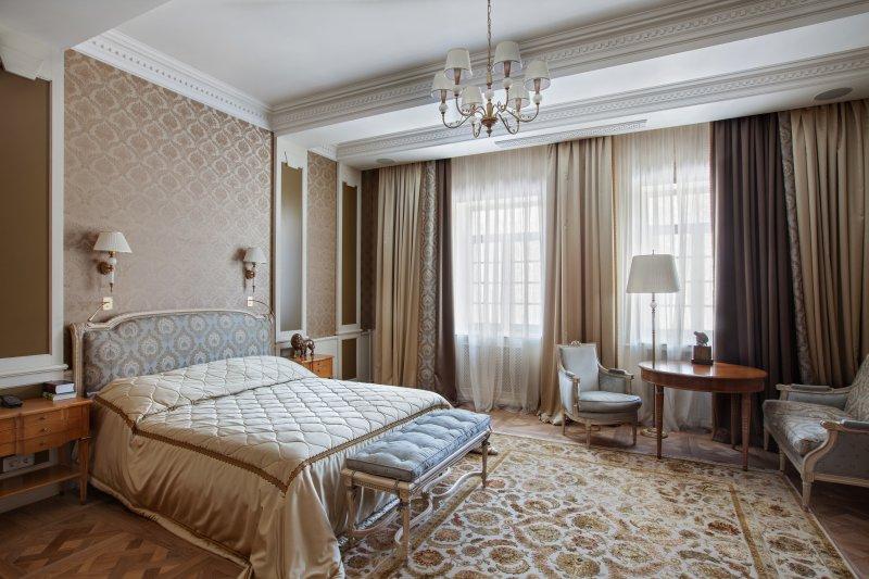 Дорогой интерьер большой комнаты