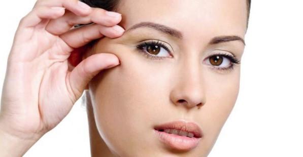 Рассмотрим методы быстрого удаления морщин под глазами