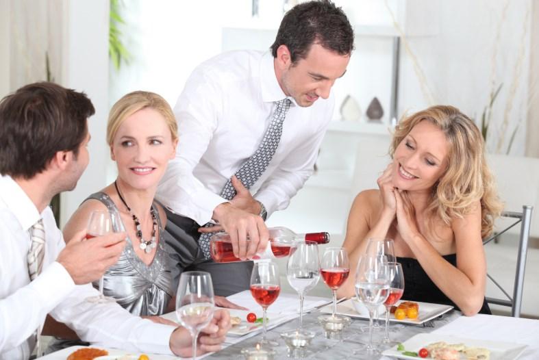 Как правильно встречать гостей?