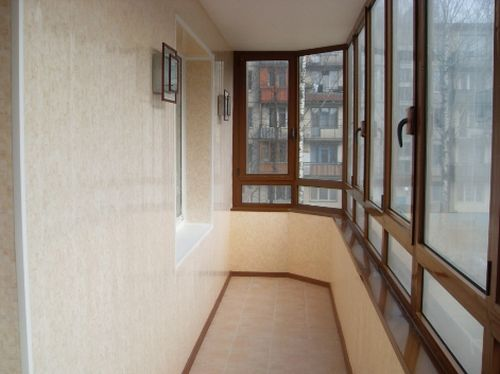 Конденсат на застекленном балконе: причины проблемы и пути устранения