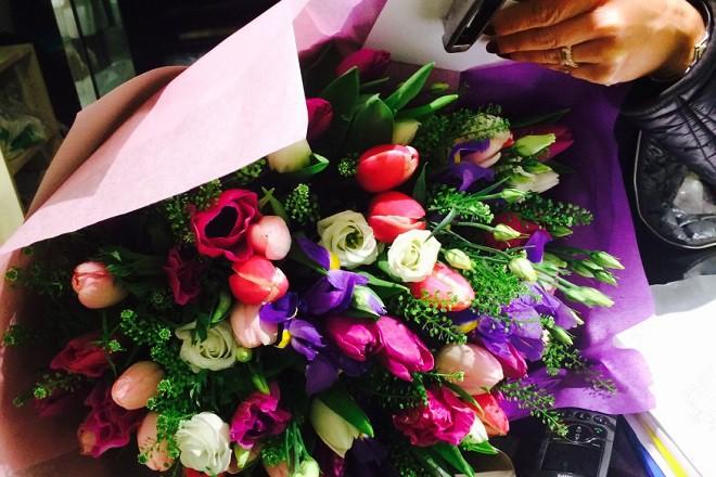 Цветы — знак уважения и симпатии