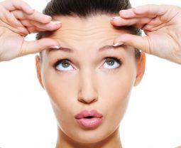 От чего зависит упругость кожи?