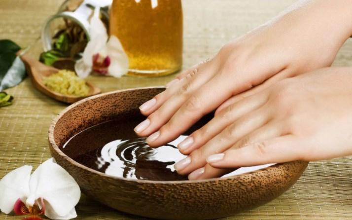 Использование касторового масла в косметологии