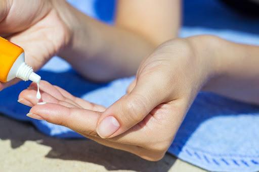 Как выбрать и правильно наносить крем для рук